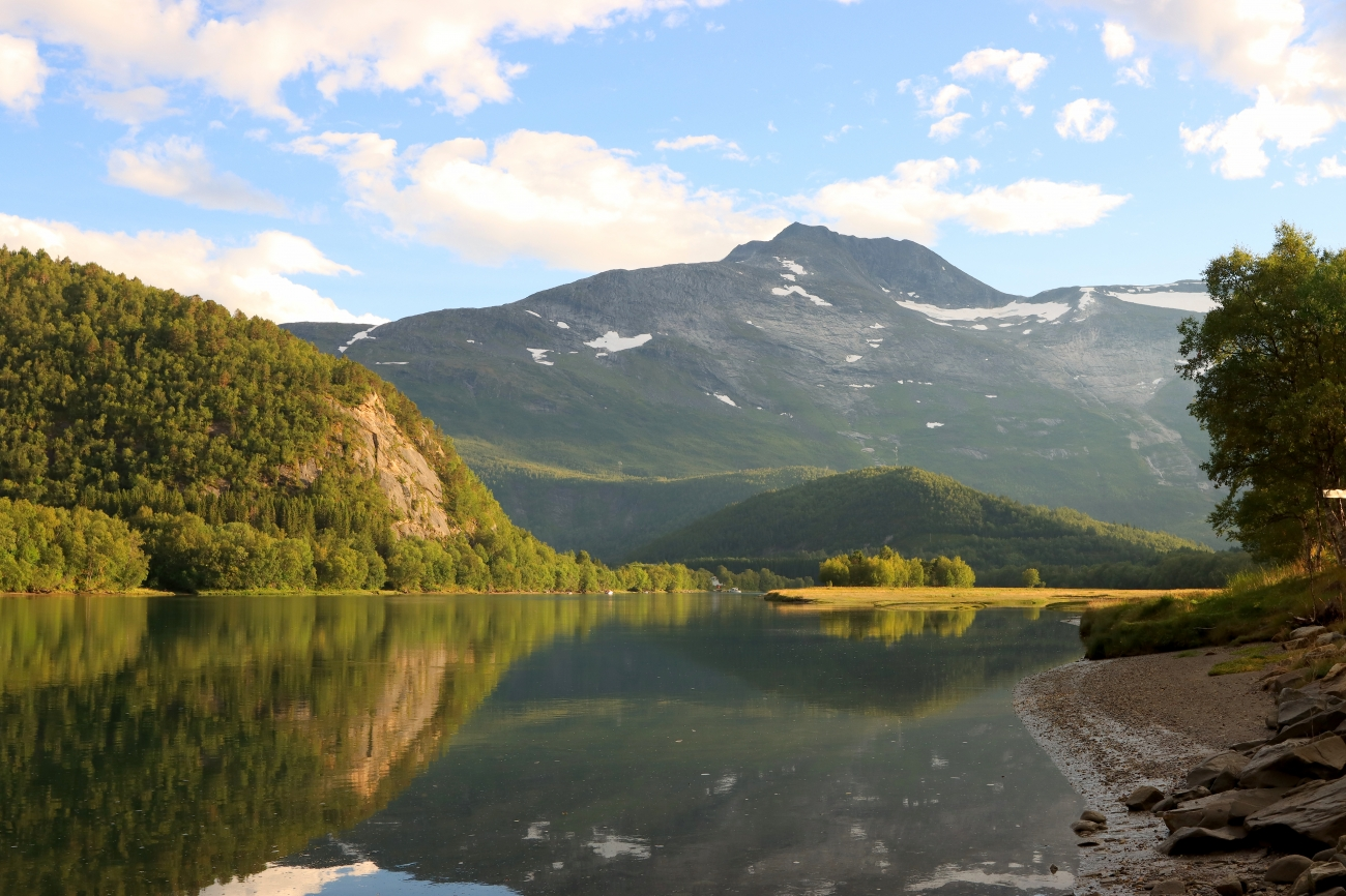 Beiarelva and Høgtinden